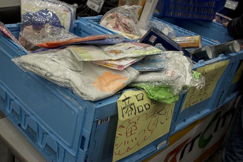 ▲アソビットシティのブースではアニメアイテムや福袋を販売。