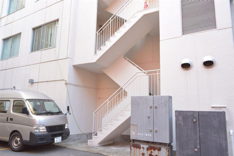 ▲この階段から2階へ。