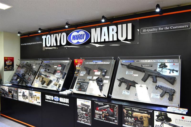 ▲今回のコラボとは関係ないが、ガンメーカー「東京マルイ」からのラブコールにより、新商品の展示スペースが作られている。こちらも要チェック。