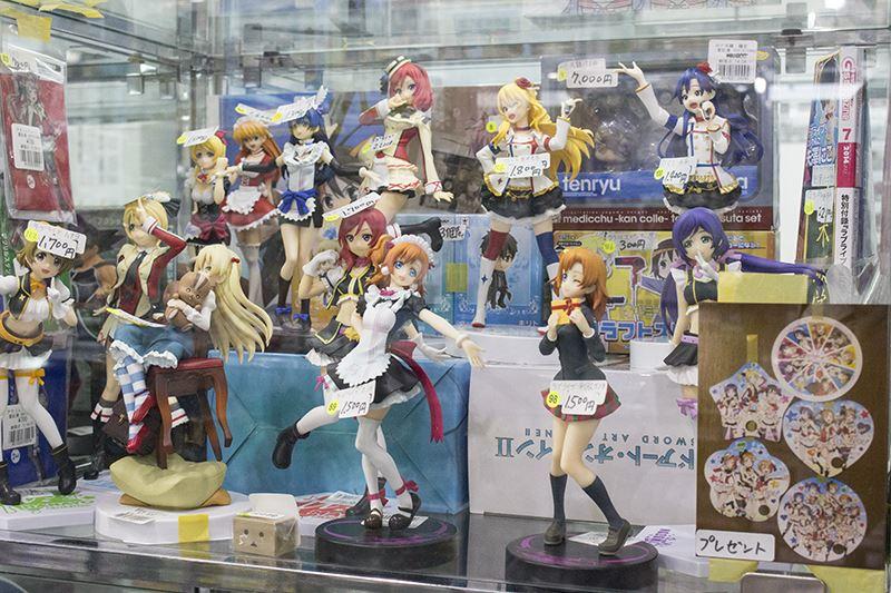 ▲「NIJI-IRO」に出品されているフィギュアは、店内でも販売。