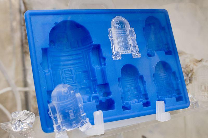 ▲ケース内には、アイストレイが展示されている。