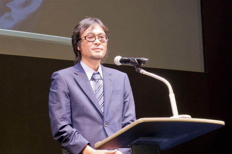 ▼『月刊ヒーローズ』編集長・鈴木緑視氏。