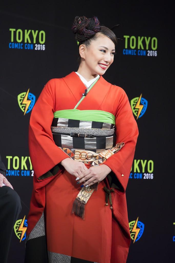 女優の三船美佳さんは和服で登場