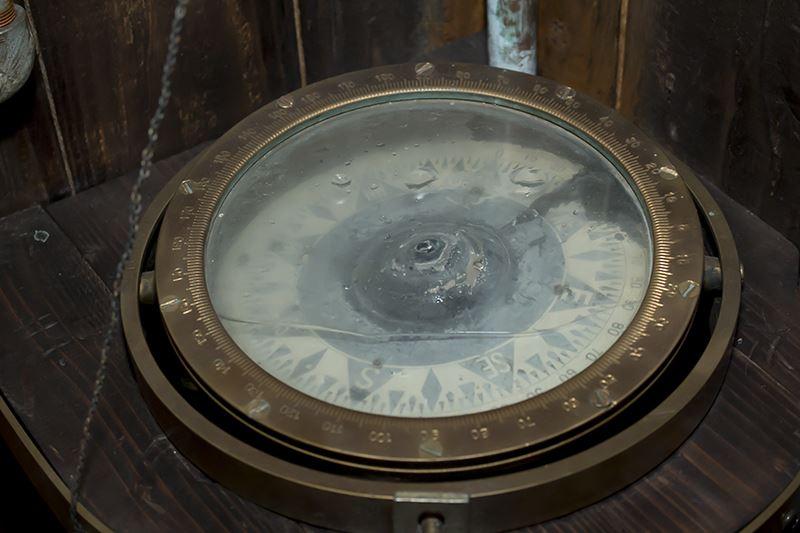 ▲実際の船に積まれていた羅針盤。こういった装飾アイテムに触れるのも「アイデアの城」のポイントの1つ。