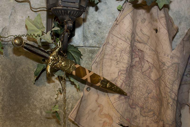 ▲壁に取り付けてある剣は、外して装備もOK