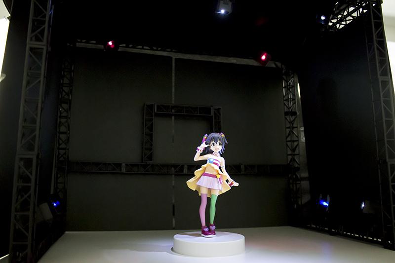 ▲特製ステージを複数組み合わせれば巨大なライブステージも制作可能。