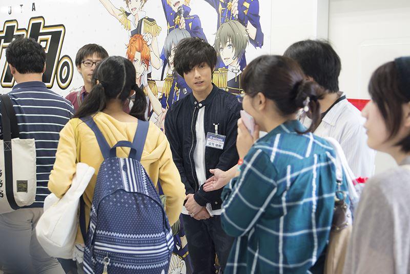▲サプライズとして、増田さんが店頭にてお客様をお出迎え。