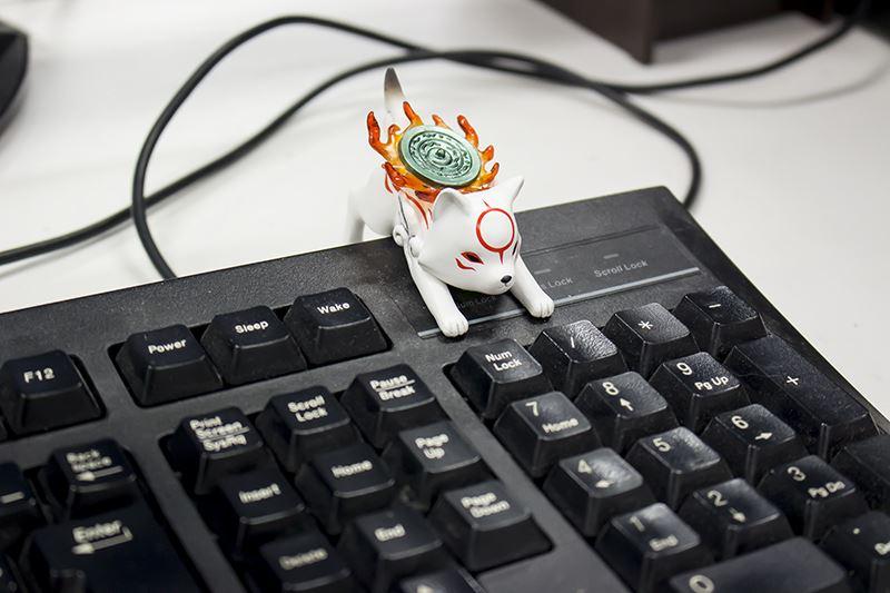 ▲さりげなく愛でたい方はキーボードに飾るのがオススメ。